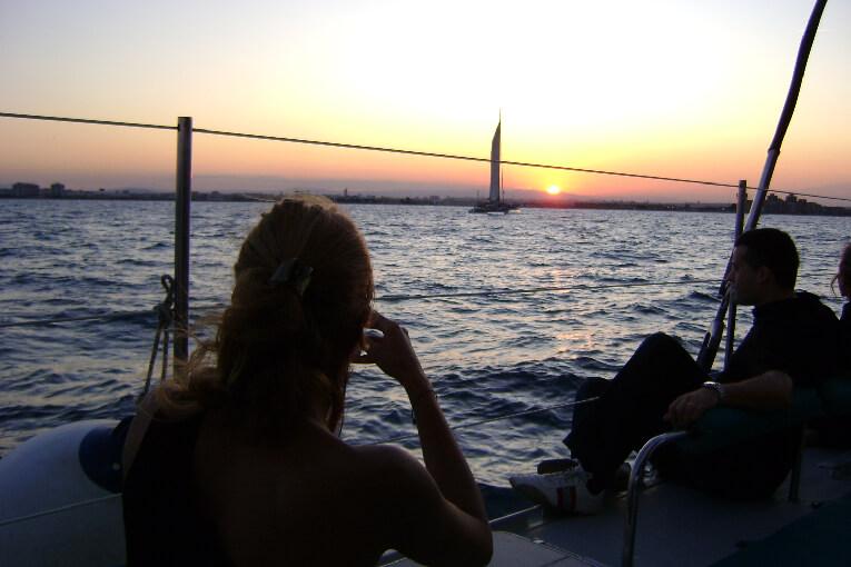 Puesta sol catamaran Valencia