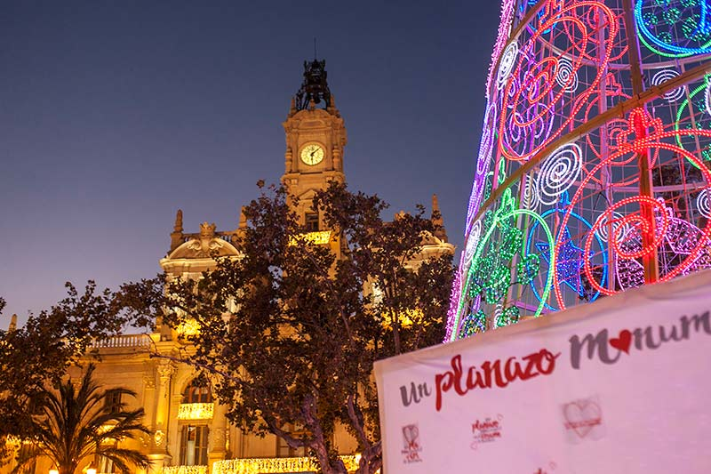 Decoración navideña en el Ayuntamiento de València